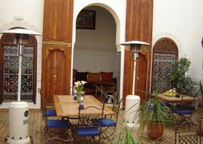 maroc-liberte-fes-cour dar attarine-600