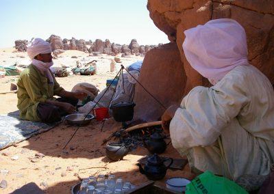 algerie-essendilene-tadrart-repas-800